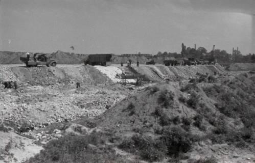 ARH NL Koberg 857, Trümmerschüttung für den Bau des Niedersachsenstadions, Hannover, 1952