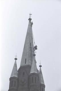 ARH NL Koberg 870, Reparatur der Apostelkirche am Welfenplatz, Hannover, 1952