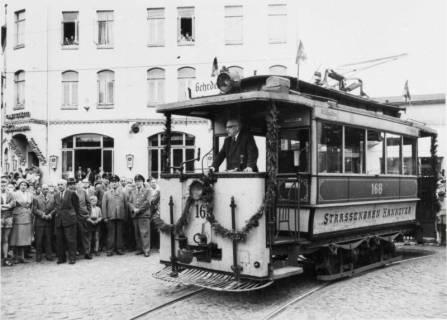 ARH NL Koberg 899, Der letzte Straßenbahnwagen wird vom Depot in Gehrden nach Hannover (ÜSTRA) überführt, 1961