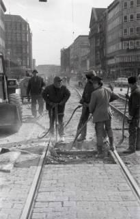 ARH NL Koberg 925, Straßenbahngleisarbeiten in der Georgstraße, Hannover, 1971