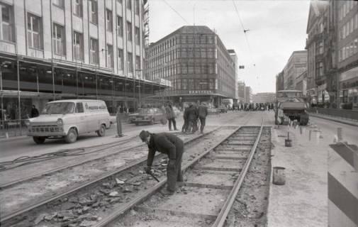 ARH NL Koberg 932, Straßenbahngleisarbeiten in der Georgstraße, Hannover, 1971