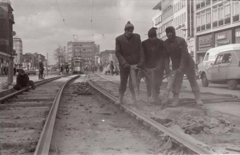 ARH NL Koberg 935, Straßenbahngleisarbeiten in der Georgstraße, Hannover, 1971