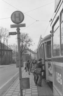ARH NL Koberg 941, Straßenbahnhaltestelle mit Straßenbahn, Gleidingen, 1974