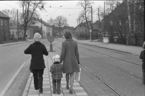 ARH NL Koberg 943, Straßenbahnhaltestelle, Gleidingen, 1974
