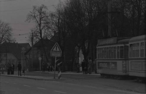 ARH NL Koberg 973, Straßenbahnhaltestelle mit Straßenbahn, Gleidingen, 1974