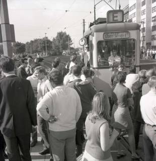 "ARH NL Koberg 991, ""Rote-Punkt-Aktion"" in der Innenstadt, Hannover, 1969"