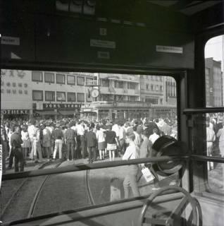 "ARH NL Koberg 994, ""Rote-Punkt-Aktion"" in der Innenstadt, Hannover, 1969"