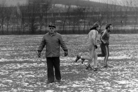 ARH NL Mellin 01-003/0009, Hannover 96 mit Trainer Helmut Kronsbein, zwischen 1974/1978