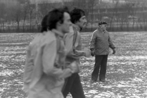 ARH NL Mellin 01-003/0010, Hannover 96 mit Trainer Helmut Kronsbein, zwischen 1974/1978