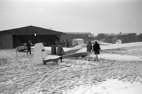 ARH NL Mellin 01-004/0017, Segelfluggelände Großes Moor des Luftsportverein Burgdorf, nach 1969