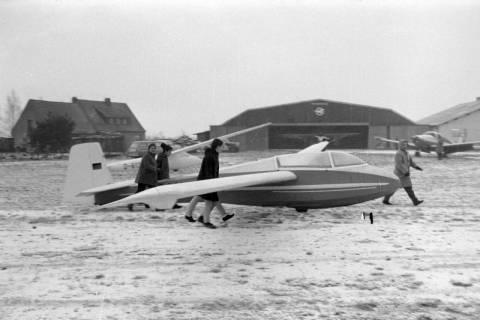 ARH NL Mellin 01-004/0018, Segelfluggelände Großes Moor des Luftsportverein Burgdorf, nach 1969
