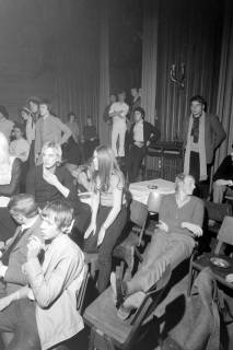 ARH NL Mellin 01-007/0008, Bandwettbewerb im Haus der Jugend in Hannover, um 1968