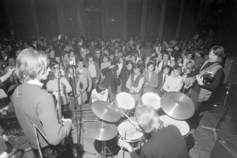 ARH NL Mellin 01-007/0010, Bandwettbewerb im Haus der Jugend in Hannover, um 1968