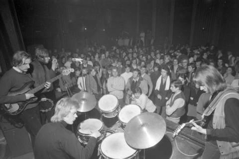 ARH NL Mellin 01-007/0012, Bandwettbewerb im Haus der Jugend in Hannover, um 1968