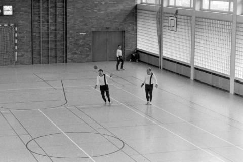 ARH NL Mellin 01-009/0010, Sporthalle in der Schlesischen Straße in Lehrte, ohne Datum