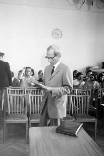 ARH NL Mellin 01-012/0002, Otto Freiherr von Fircks im Amtsgericht, Burgdorf, 1971
