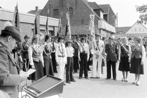 ARH NL Mellin 01-014/0008, Schützenproklamation der Schützengesellschaft Aligse von 1924 e. V. in Aligse, 1975