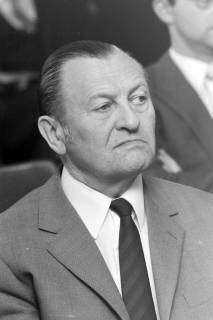 ARH NL Mellin 01-015/0012, Albert Künne, Leiter des Schul- und Kulturamts beim Landkreis Burgdorf, vor 1974