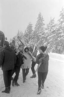 """ARH NL Mellin 01-017/0007, Ausflug des SkiClub """"Winterfreuden"""" in den Harz, ohne Datum"""