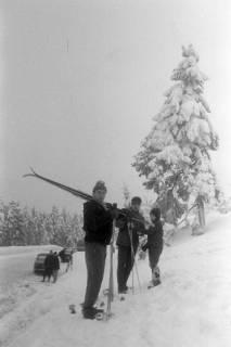 """ARH NL Mellin 01-017/0010, Ausflug des SkiClub """"Winterfreuden"""" in den Harz, ohne Datum"""