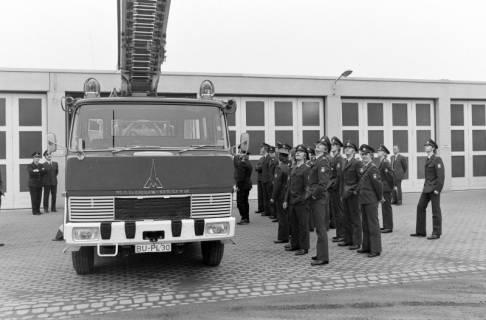 ARH NL Mellin 01-020/0008, Übergabe neue Drehleiter DLK 23/12 an die Feuerwehr Lehrte, 1970