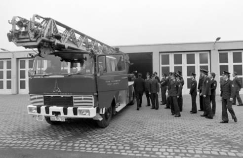 ARH NL Mellin 01-020/0009, Übergabe neue Drehleiter DLK 23/12 an die Feuerwehr Lehrte, 1970