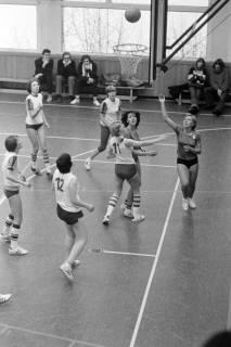 ARH NL Mellin 01-021/0006, Basketball in der Turnhalle des Gymnasiums Großburgwedel, ohne Datum