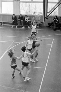 ARH NL Mellin 01-021/0007, Basketball in der Turnhalle des Gymnasiums Großburgwedel, ohne Datum