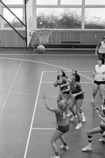 ARH NL Mellin 01-021/0009, Basketball in der Turnhalle des Gymnasiums Großburgwedel, ohne Datum