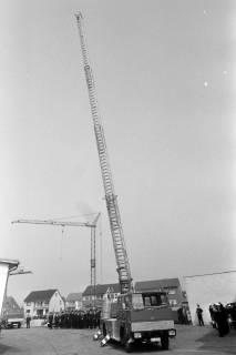 ARH NL Mellin 01-023/0018, Übergabe neue Drehleiter DLK 23/12 an die Feuerwehr Lehrte, 1970