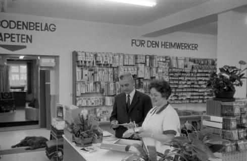 ARH NL Mellin 01-026/0018, Malerei und Fachgeschäft Georg Reimann, Bissendorf, um 1976