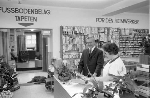 ARH NL Mellin 01-026/0019, Malerei und Fachgeschäft Georg Reimann, Bissendorf, um 1976