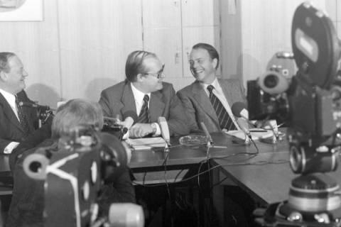ARH NL Mellin 01-027/0015, Pressekonferenz?, zwischen 1977/1978