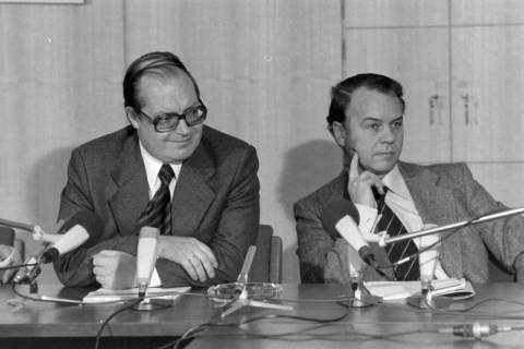 ARH NL Mellin 01-027/0017, Pressekonferenz?, zwischen 1977/1978