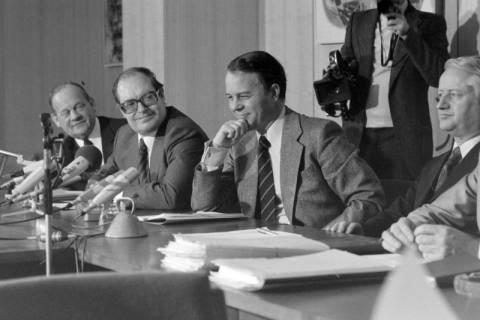 ARH NL Mellin 01-028/0001, Pressekonferenz?, zwischen 1977/1978