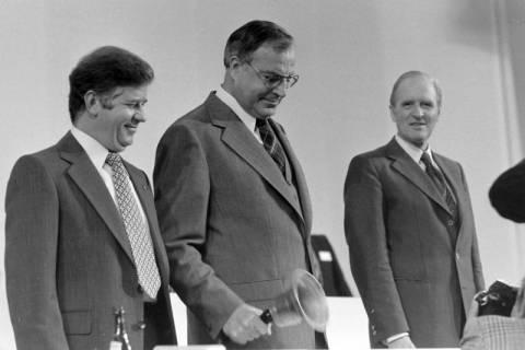 NL Mellin 01-031/0009, 24. Bundesparteitag der CDU, 1976