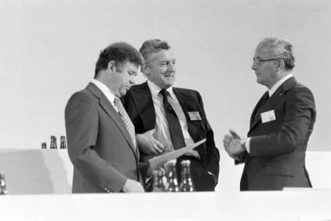 NL Mellin 01-031/0015, 24. Bundesparteitag der CDU, 1976