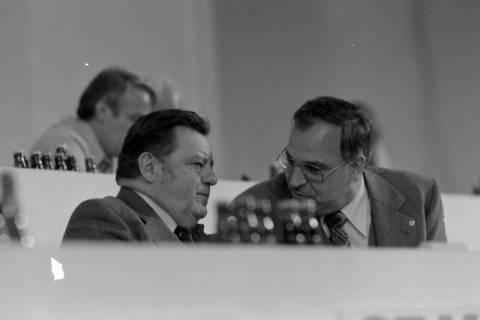 NL Mellin 01-031/0023, 24. Bundesparteitag der CDU, 1976