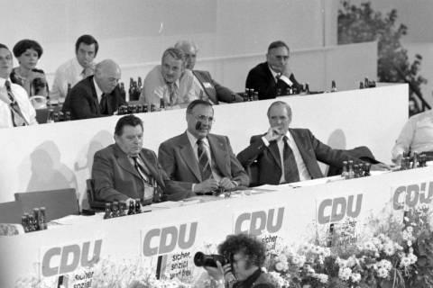NL Mellin 01-032/0012, 24. Bundesparteitag der CDU, 1976
