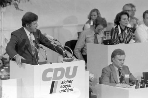 NL Mellin 01-032/0013, 24. Bundesparteitag der CDU, 1976