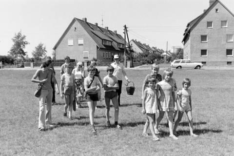 NL Mellin 01-032/0016, Jugendgruppe?, Höver, um 1972