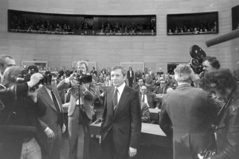 NL Mellin 01-044/0014, Karl Ravens im Niedersächsischen Landtag, ohne Datum