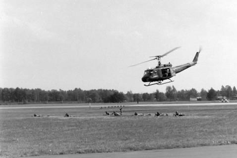 NL Mellin 01-048/0016, Flugschau? Hubschrauber Bell UH-1D, ohne Datum