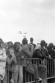 """NL Mellin 01-048/0023, """"Tag der offenen Tür"""" auf dem Fliegerhorst Celle-Wietzenbruch? Vier Starfighter im Flugformation, ohne Datum"""