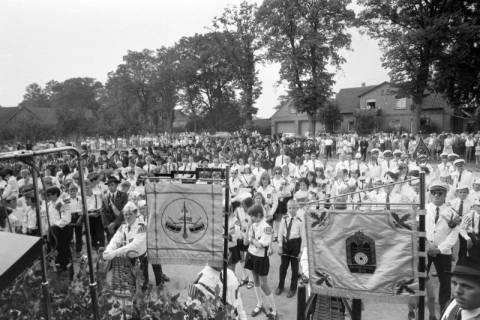 ARH NL Mellin 01-063/0004, Kreismusiktreffen des Kreisschützenverbandes Burgdorf in Schillerslage, wohl 1974
