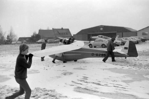 ARH NL Mellin 01-075/0011, Segelfluggelände Großes Moor des Luftsportverein Burgdorf, nach 1969