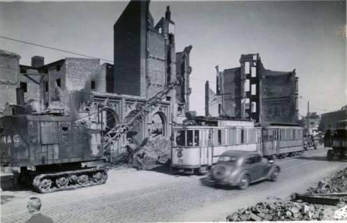 ARH Slg. Mütze 015, Ruinen in der Nikolaistraße, Hannover, 1946