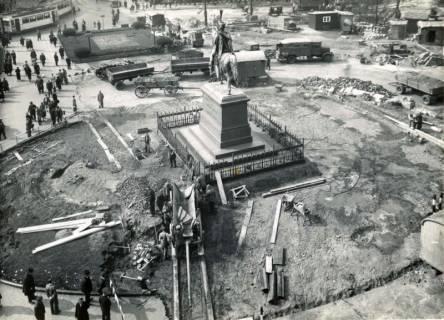 ARH Slg. Mütze 022, Umbauarbeiten auf dem Ernst-August-Platz, Hannover, 1938
