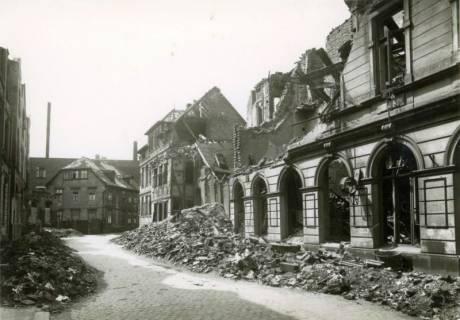 ARH Slg. Mütze 032, Trümmer und Ruinen in der Nordfelder Reihe, Hannover, zwischen 1943/1949