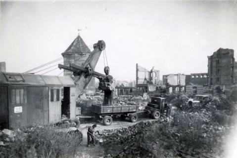 ARH Slg. Mütze 052, Trümmerräumung in der Sandstraße, Hannover, 1946